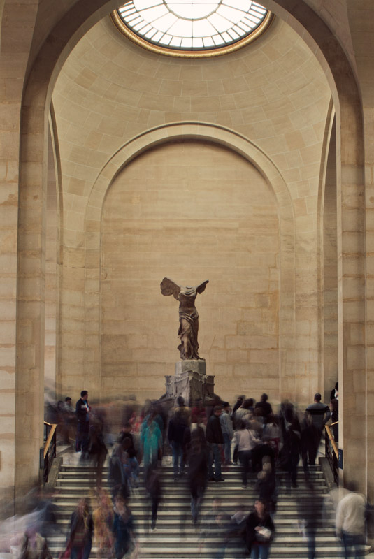 Winged Victory at the Louvre, long-exposure