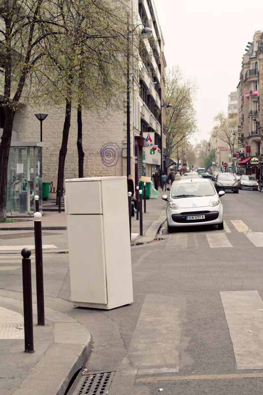 Surprise refrigerator on the streets of Paris