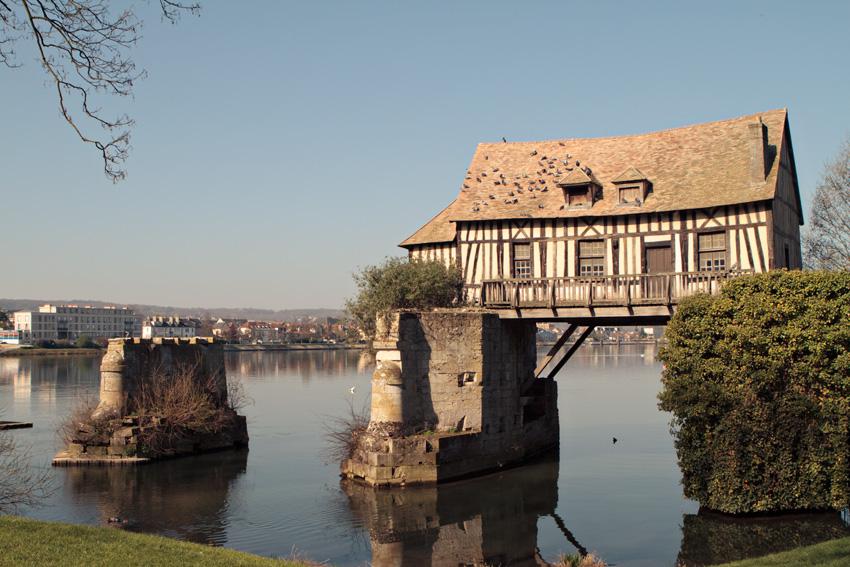 Bridge ruins near Giverny