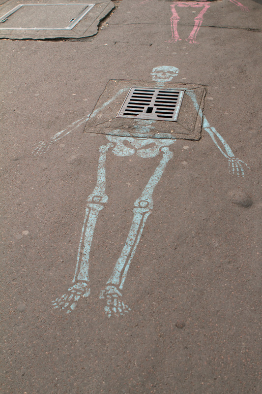 Skeleton graffiti