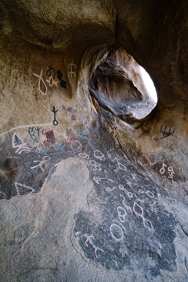 """Disney"" pictographs near Barker Dam, Joshua Tree"